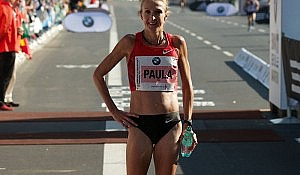 Paula-Radcliffe-at-the-Berlin-Marathon-2011_by_Christian-Petersen--Clausen