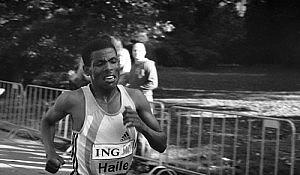 Haile Gebrselassie shortly before winning the 2005 Amsterdam Marathon. Photo by Wikipedia user Perroboy