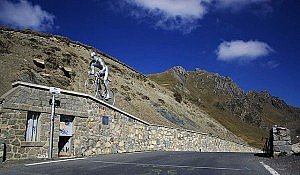 Col du Tourmalet. Photo by Flickr user Soumei Baba (muneaki)